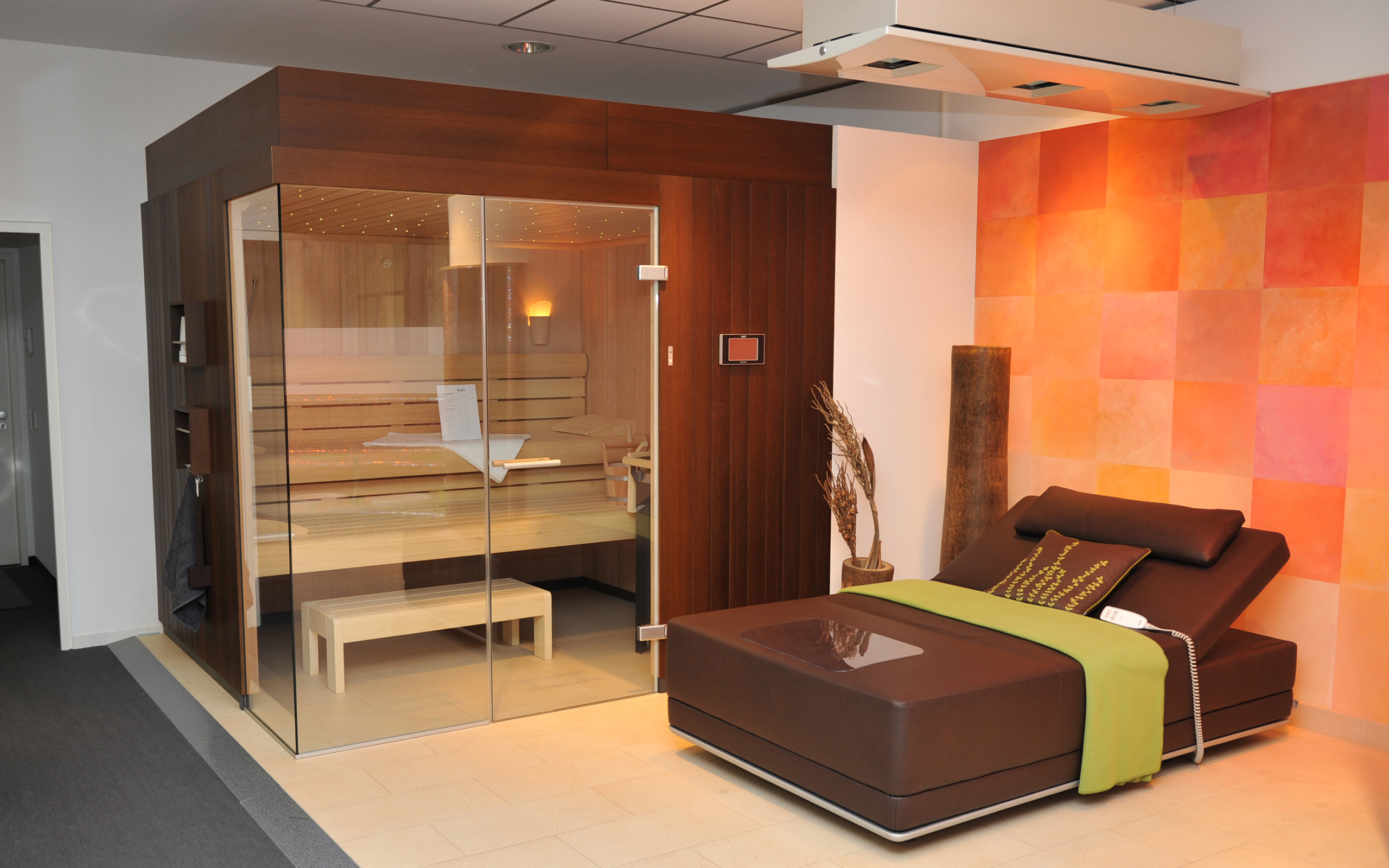 sauna showroom in bielefeld. Black Bedroom Furniture Sets. Home Design Ideas