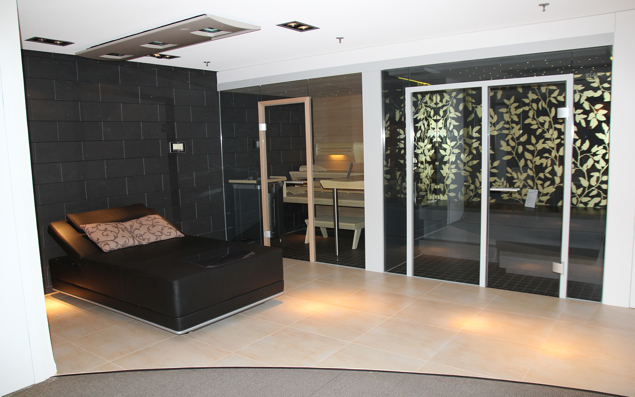 showroom schw bisch hall in house of sauna spa. Black Bedroom Furniture Sets. Home Design Ideas